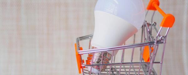 ampoule LED dans un chariot de supermarché